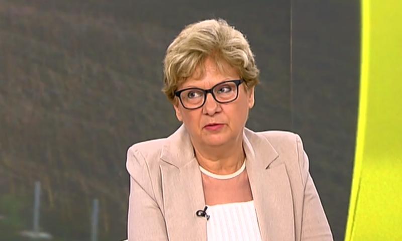 Виолета Комитова: АПИ възлагала поръчки, без да може да ги обезпечи финансово