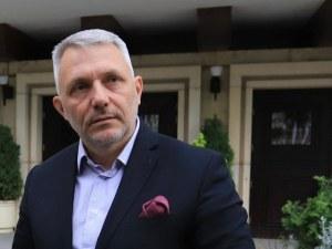 Хаджигенов: Връчването на мандата беше нелегитимно