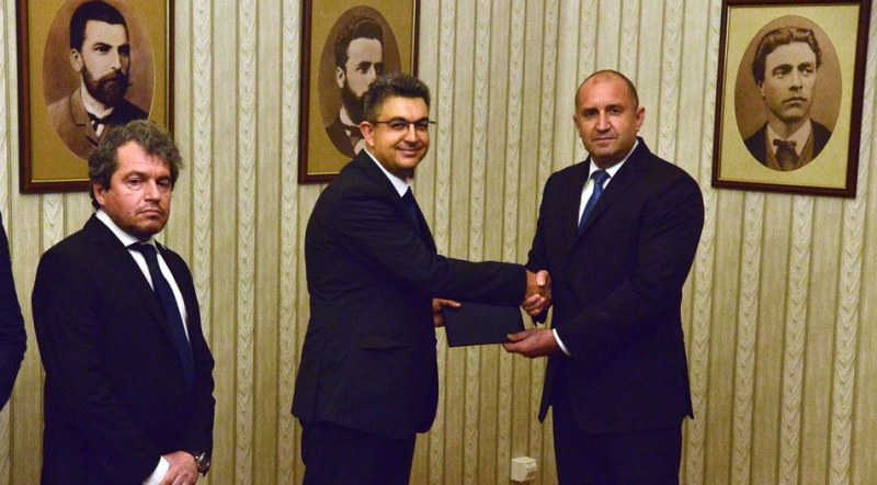 Кои се спрягат за министри от  партията на Слави Трифонов