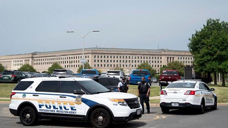 Нападения на Пентагона! Полицай е загинал, отцепиха района