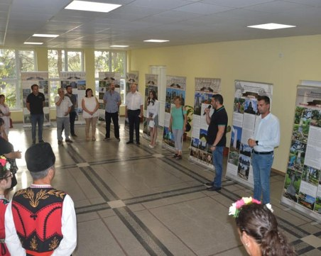 Цалапица е домакин на международна изложба