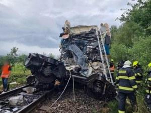 Двама загинали и десетки ранени след катастрофа между два влака в Чехия