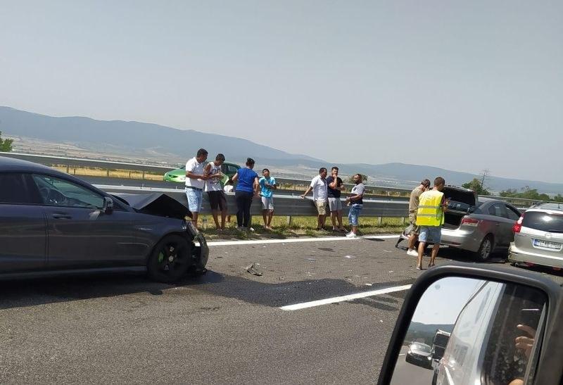 Поредна катастрофа на АМ Тракия, три коли се удариха