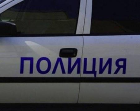 Камион се обърна край Благоевград, движението е затруднено
