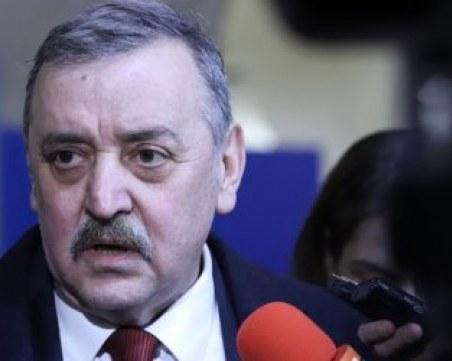 Проф. Тодор Кантарджиев: Мерките трябва да са навременни, никога крути и никога плашене на хората