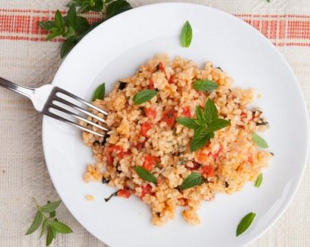Лесна рецепта за булгур с домати