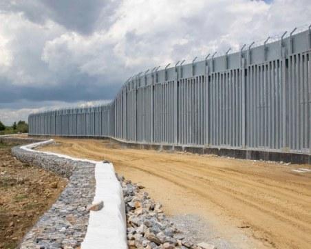 Гърция завърши стената по границата с Турция