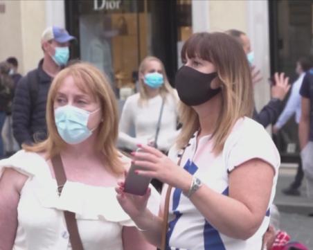 Обсъждат маски на открито в Бургас, отменят всички събития на открито в Павликени