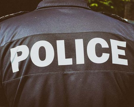 Пиян мъж потроши стъклата на четири патрулки в Шумен