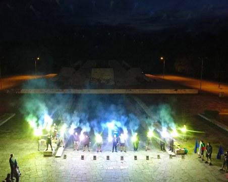 В навечерието на 9 септември! Огнен флашмоб на Братската могила в памет на жертвите на комунистическия режим
