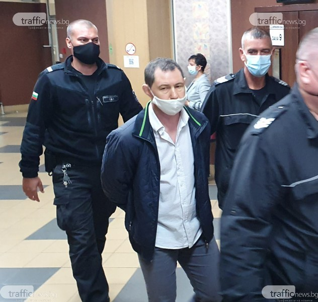 Полицай, открил пръв телата на баща и син Ботеви: Таков повтаряше, че е нападнат с нож, но такъв не открихме