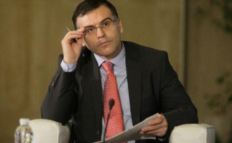 Симеон Дянков: Преизчисляването на пенсиите може да увеличи данъците