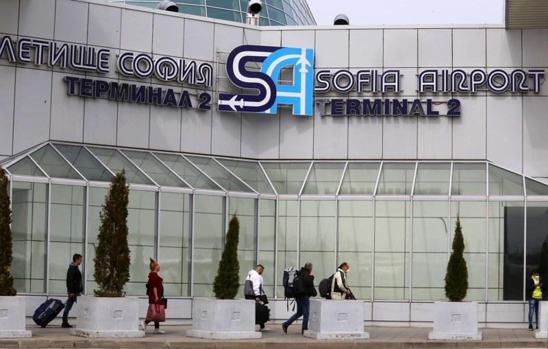 Отцепиха летище София заради сигнал за бомба