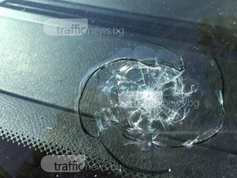 Пловдивчанин потроши стъклото на микробус, арестуваха го