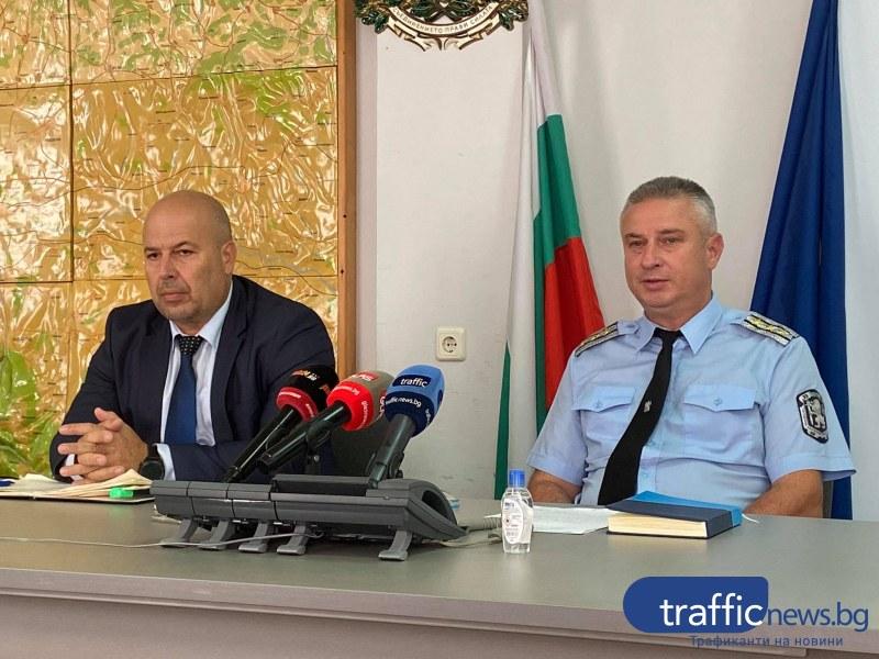 Полицаи дебнат в пловдивските училища, следят за маски и дистанция на първия учебен ден
