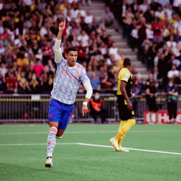 Уникален куриоз - четири дузпи за едно полувреме в мач от Шампионска лига, Роналдо направи нов рекорд, но Юнайтед загуби