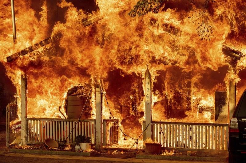 Лош спомен подтикна мъж да запали дома на бивша колежка