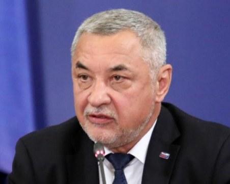 Валери Симеонов: Кацаров трябваше да бъде сменен, заедно с още двама министри
