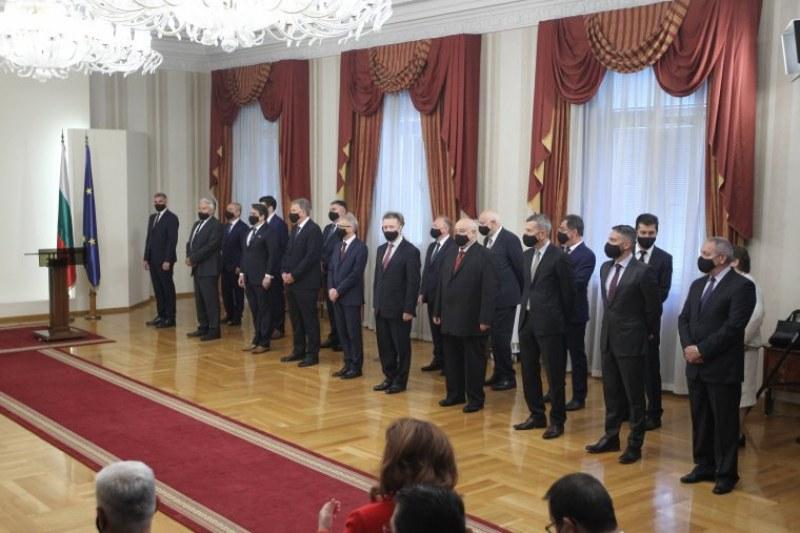 Списъкът с новите служебни министри е готов! Само трима са сменени
