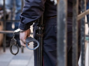 Арестуваха трима младежи, нападнали и ограбили мъж в Пловдивско