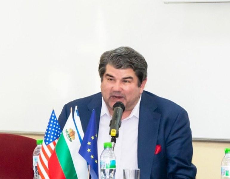 Дан Шомон предложил на Зико Пловдив да се побратими с град в САЩ, където има българска общност