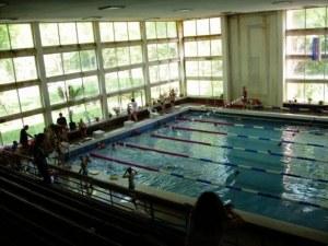 """Напрежението заради басейн """"Младост"""" продължава, родители на деца от Спортното скочиха срещу клубовете"""