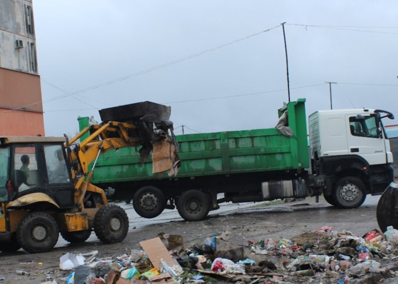 Извънредна почистваща акция в Столипиново! Извозиха 310 тона боклуци