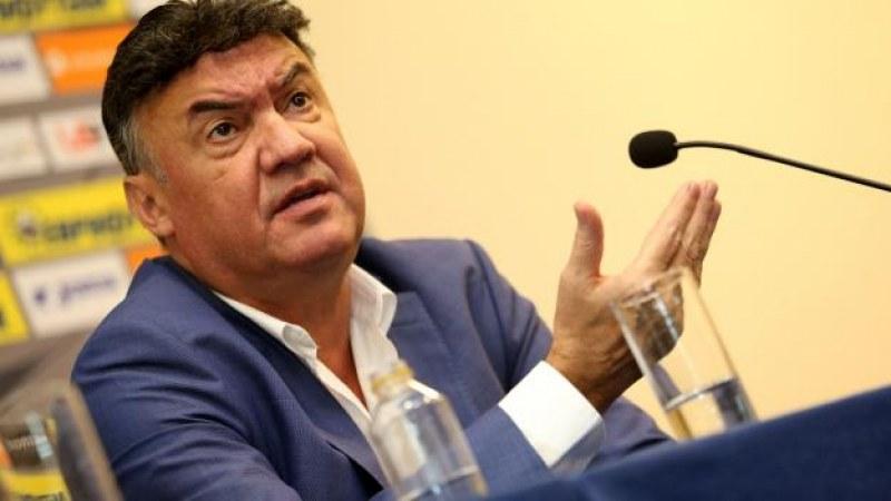 Президентът на УЕФА подкрепи Борислав Михайлов