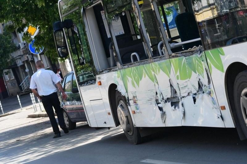 Трамвай и автобус катастрофитаха в София, има пострадали