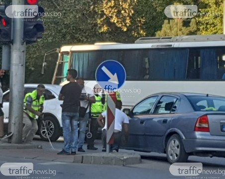 Кола помете пешеходец в Кършияка, пострадалият е в болница