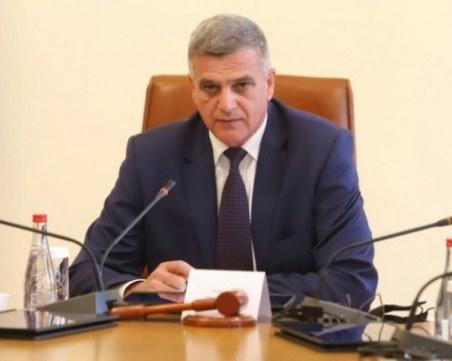 Стефан Янев: Ще предложим мерки за стопирането на скока на цените на тока и горивата