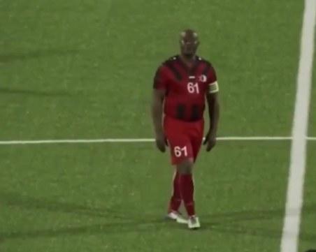 Вицепрезидентът на Суринам стана най-възрастният футболист участвал в официален мач