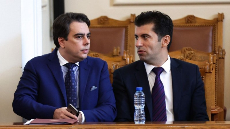 Кирил Петков и Асен Василев идват в Пловдив, отново канят на мекици и кафе