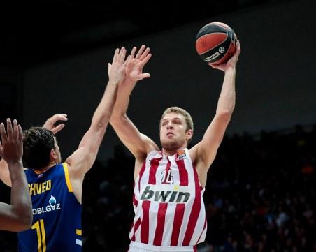 Александър Везенков е пред нов договор с Олимпиакос