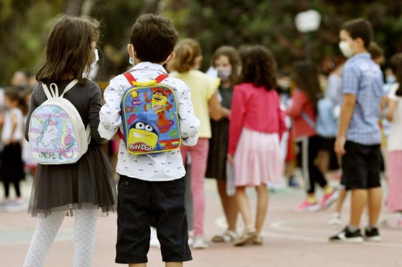 Само за 10 дни: Над 6000 ученици в Гърция са с COVID
