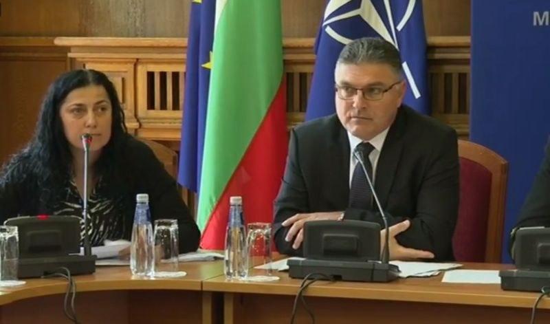 Министърът на отбраната: Няма пилотска грешка при катастрофата на майор Терзиев