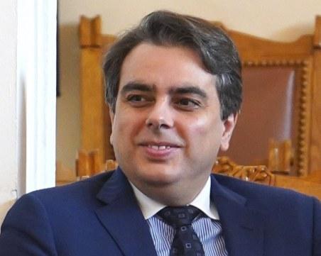 Асен Василев: Вече водим разговори за коалиция след изборите