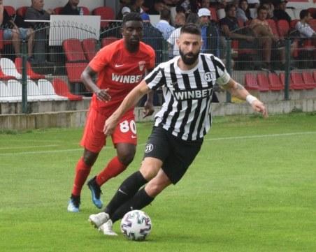 Димитър Илиев празнува рожден ден в деня на дербито