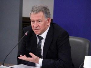 Стойчо Кацаров: Смисълът на третата доза е да подобри имунната система