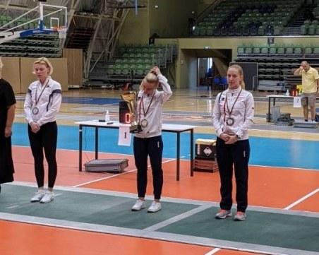 България със злато, сребро и два бронза на международния турнир по фехтовка в Пловдив