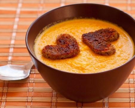 Вкусна крем супа от моркови