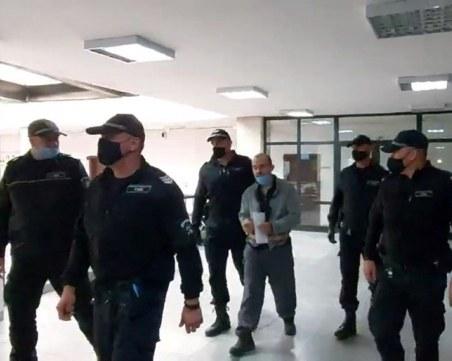 Убиецът на родителите си от Благоевград остава в ареста
