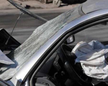 Алкохолизиран мъж се качи зад волана, катастрофира край Пазарджик