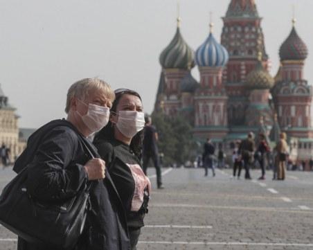 Осми ден с рекордна смъртност от COVID в Русия, ваксинираните под 30%