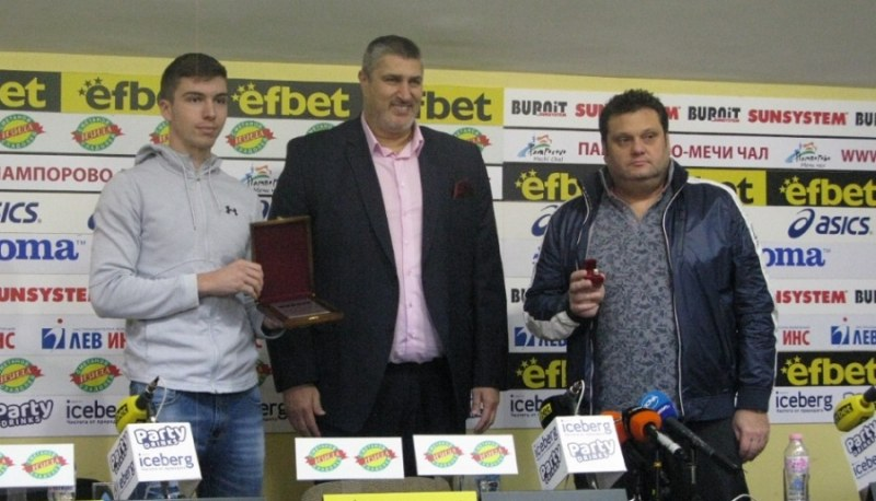 България U19 е отбор на годината за месец септември