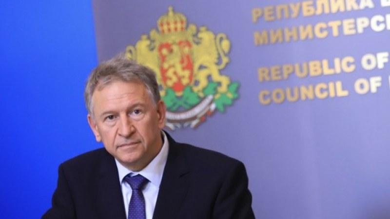 Министър Кацаров: В петък вероятно ще обявим нови мерки срещу COVID-19