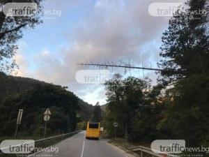Мъж загина при сблъсък между автобус и лека кола край Костандово