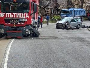 Нова катастрофа блокира пътя Асеноград – Смолян