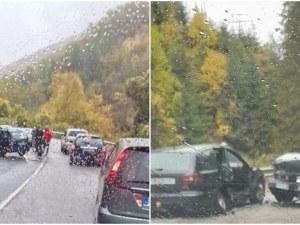 Две катастрофи затрудняват движението на пътя Асеновград-Смолян