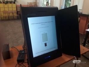Цветозар Томов: Машините дават възможност да се гласува само на единия вот